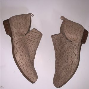 Dr. Scholl's Shoes - DR. SCHOLLS | Rate Perforated Ankle Booties 41 11